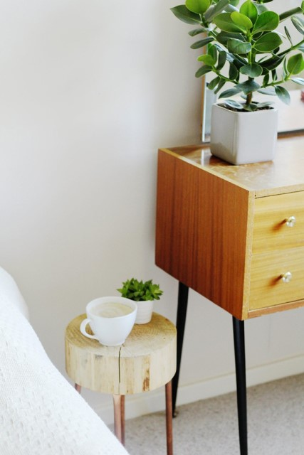 36-ideas-for-small-space-bedside-table-2