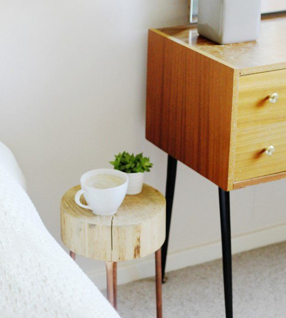 36-ideas-for-small-space-bedside-table-25