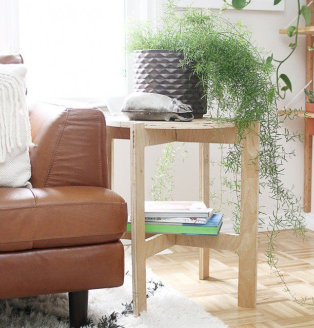 36-ideas-for-small-space-bedside-table-26