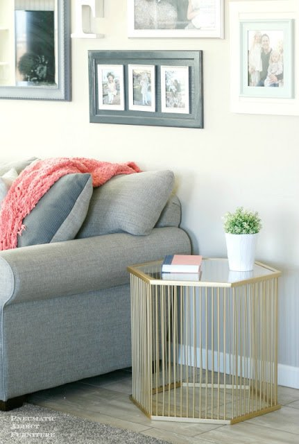 36-ideas-for-small-space-bedside-table-27