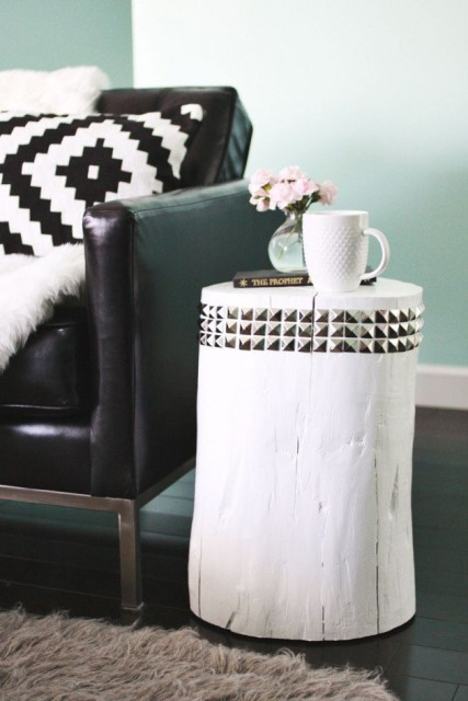 36-ideas-for-small-space-bedside-table-29