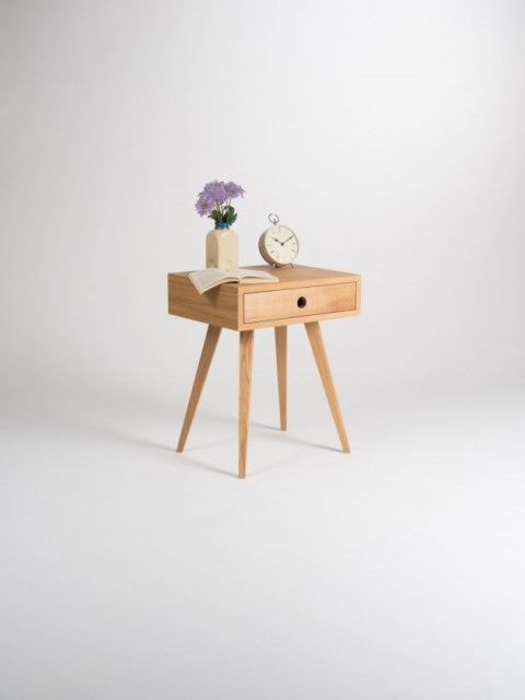 36-ideas-for-small-space-bedside-table-9