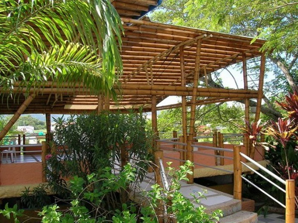 39-bamboo-house-ideas-38