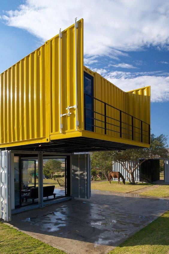42-container-to-house-or-cafe-ideas-21