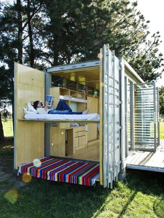 42-container-to-house-or-cafe-ideas-28