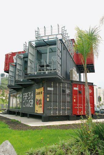 42-container-to-house-or-cafe-ideas-31