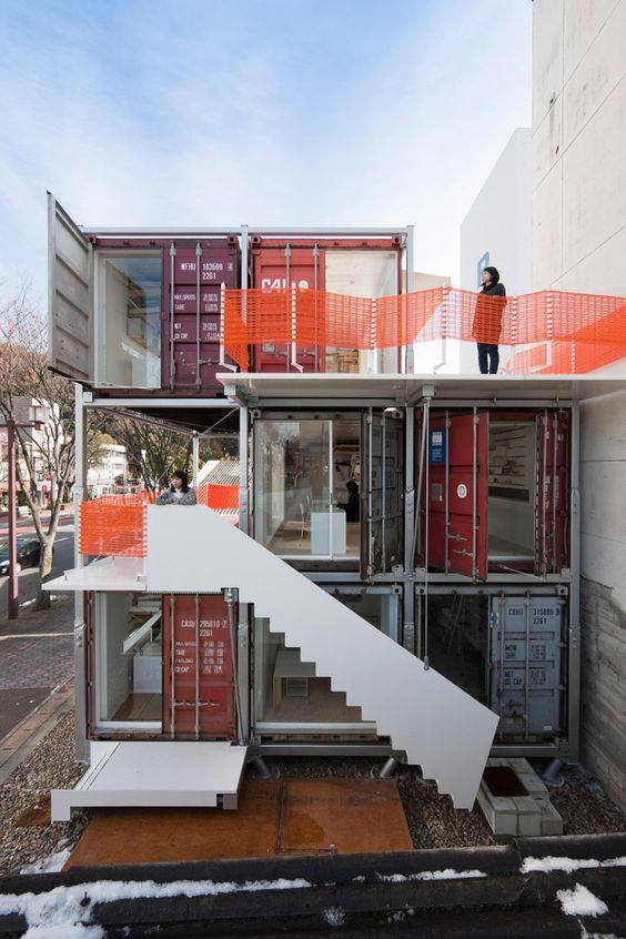 42-container-to-house-or-cafe-ideas-34