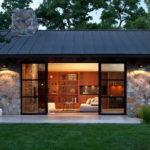 แบบบ้านหลังเล็กสไตล์รีสอร์ท พื้นที่ใช้สอยเพียง 58 ตร. ม. เรียบง่าย เข้ากับธรรมชาติ