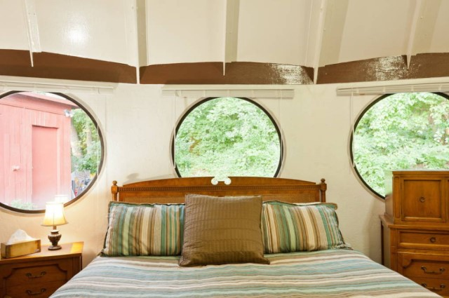 Cabin Circle Home 2 bedroom 1 bathroom (3)