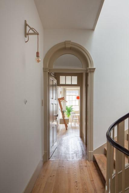 classic-townhomes-renovate-to-minimalist-style-loft-6