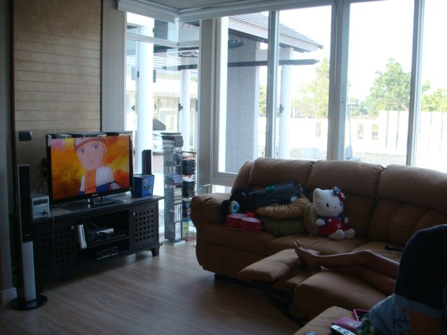 cozy-elegant-modern-house-review-20