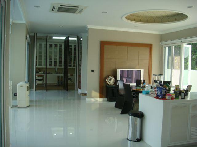 cozy-elegant-modern-house-review-28
