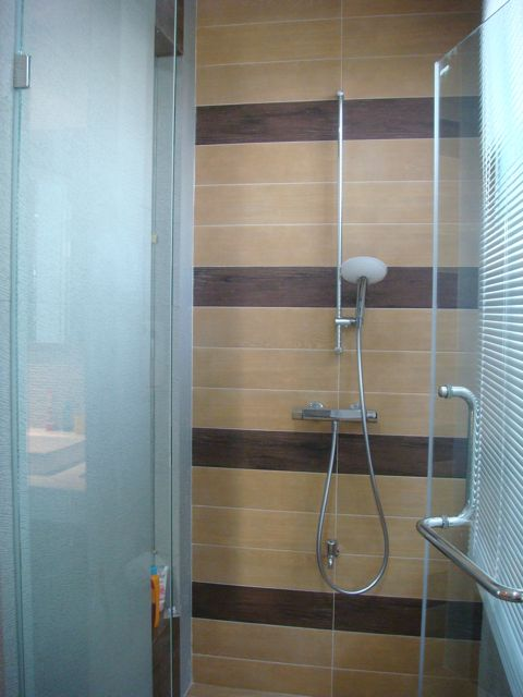 cozy-elegant-modern-house-review-36