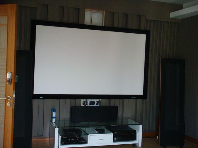 cozy-elegant-modern-house-review-46