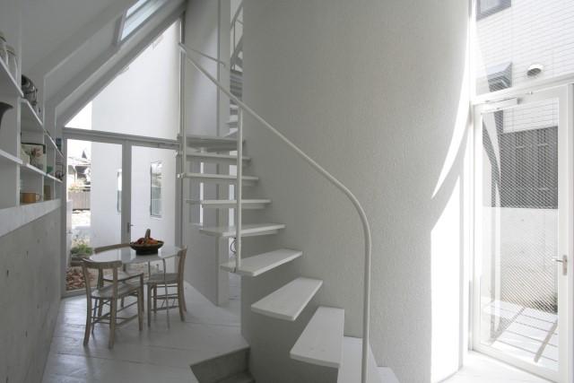 ideas-2-storey-house-narrow-shape-1