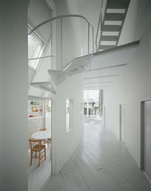 ideas-2-storey-house-narrow-shape-2