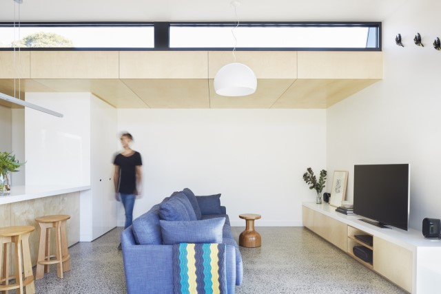 modern-home-renovate-changing-the-shape-function-and-materials-1