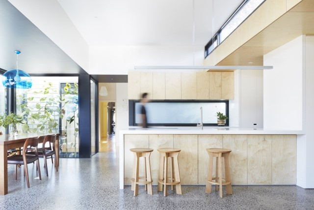 modern-home-renovate-changing-the-shape-function-and-materials-12