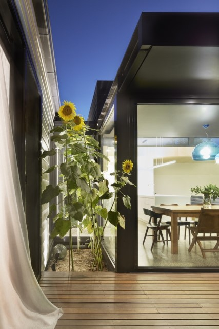 modern-home-renovate-changing-the-shape-function-and-materials-7