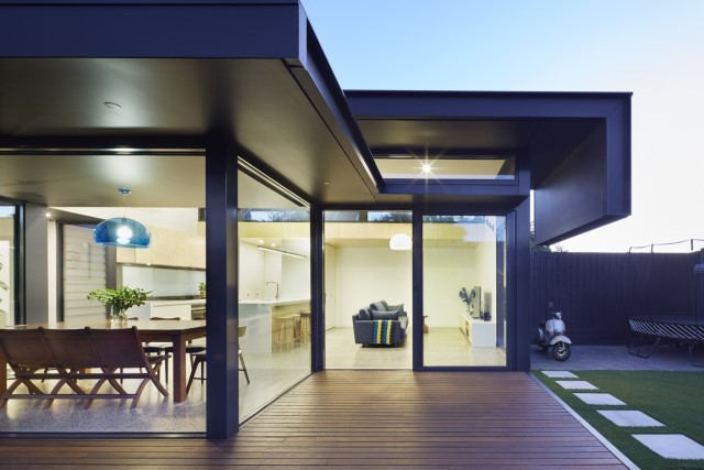 modern-home-renovate-changing-the-shape-function-and-materials-9