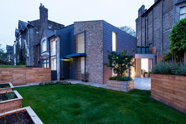 modern-home-renovate-from-victoria-house-15