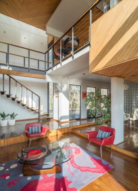 modern-villa-house-materials-of-steel-wood-and-cement-10