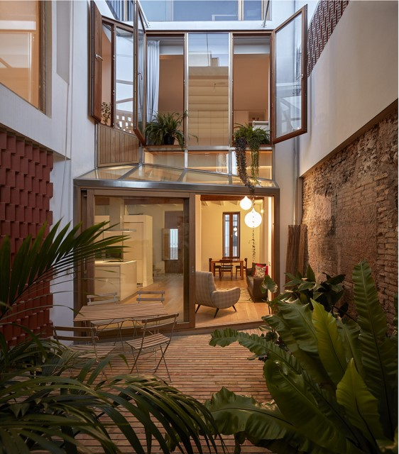 renovate-house-modern-decor-mediterranean-style-materials-of-brick-block-wood-15