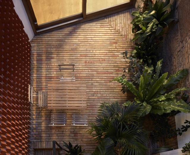 renovate-house-modern-decor-mediterranean-style-materials-of-brick-block-wood-17