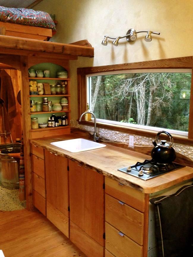 Rustic wooden house 1 bedroom  1 bathroom (1)