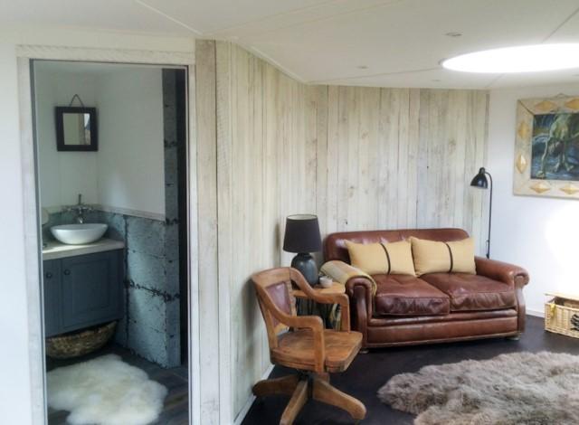 small-home-studio-style-1-bedroom-1-bathroom-1
