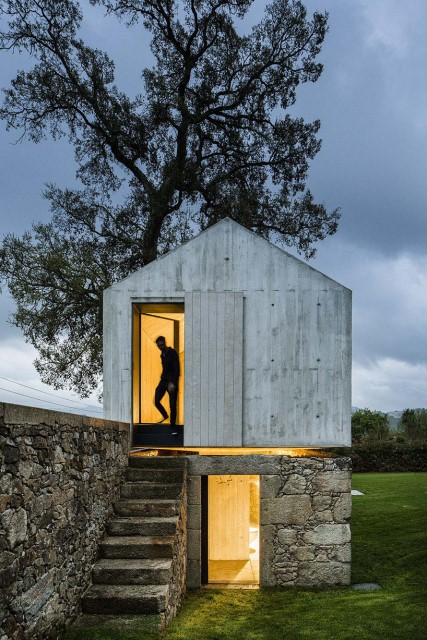 studio-home-modern-style-simple-shapes-decorated-with-cement-6