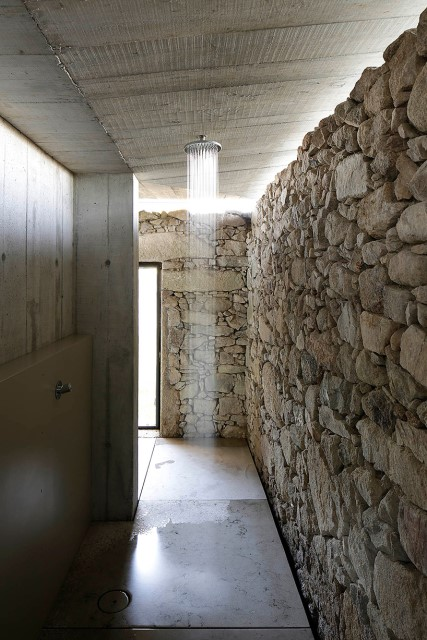 studio-home-modern-style-simple-shapes-decorated-with-cement-9