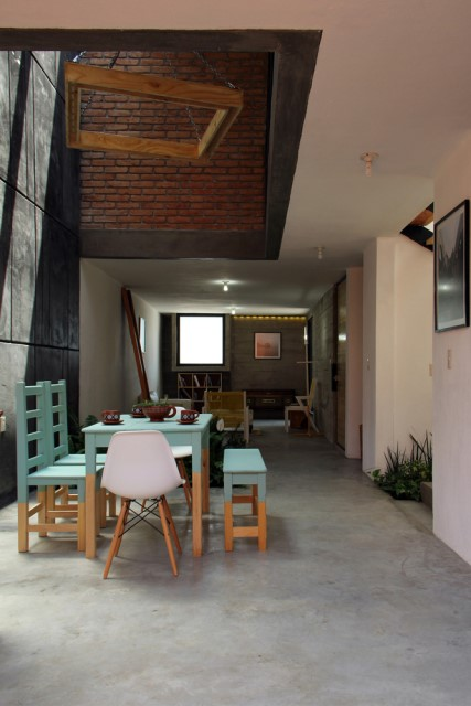 townhome-loft-style-cement-and-brick-decorated-9