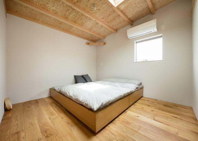 two-storey-house-minimal-style-2-bedroom-2-bathroom-6
