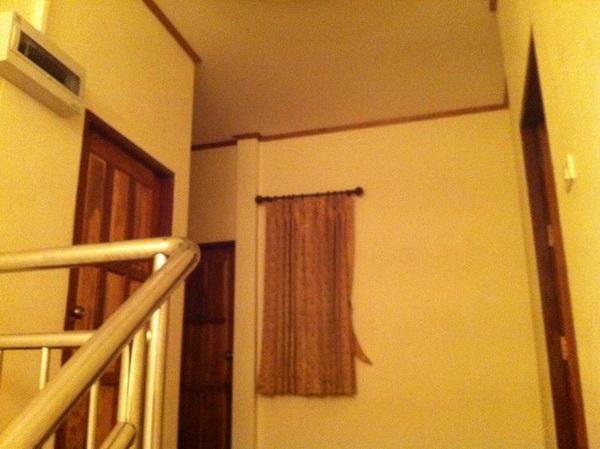 beautiful-2-storey-extraordinary-house-review-40