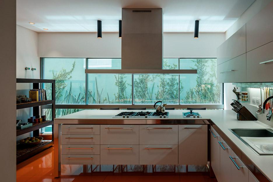 concrete-house-modern-palm-fibre-13