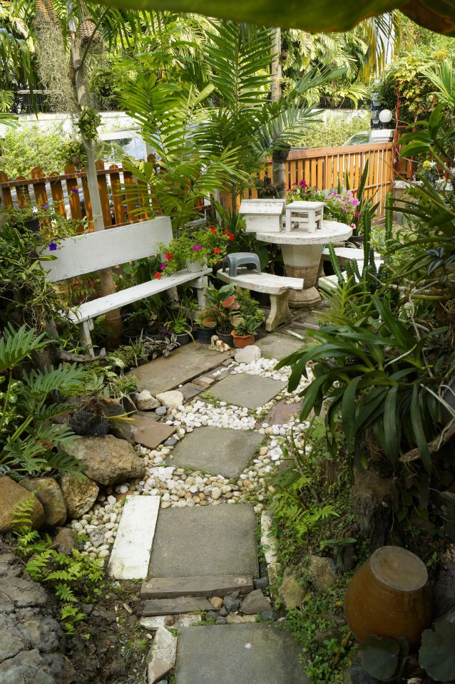 gorgeous-waterfall-fish-pond-review-25