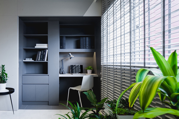 grey-workspace-with-indoor-plants