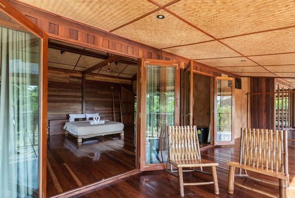 half-concrete-half-wooden-2-storey-resort-house-3
