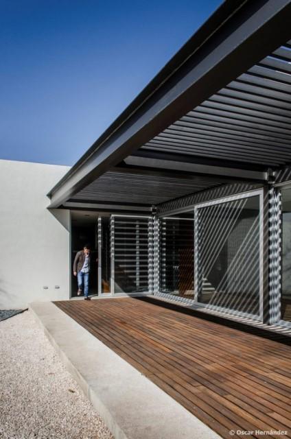 large-home-villa-style-modernloft-design-10