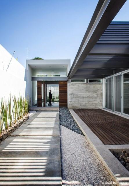 large-home-villa-style-modernloft-design-15