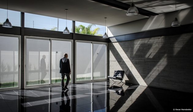 large-home-villa-style-modernloft-design-18