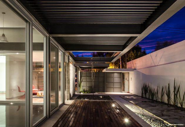 large-home-villa-style-modernloft-design-9
