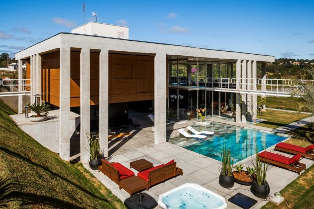 large-villa-house-with-swimmingpool-decorated-mix-of-material-14