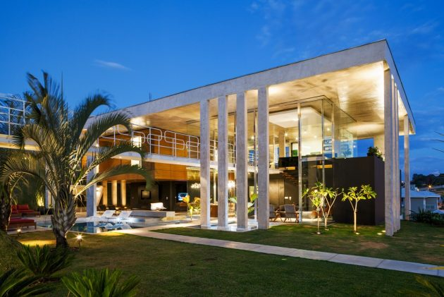 large-villa-house-with-swimmingpool-decorated-mix-of-material-8