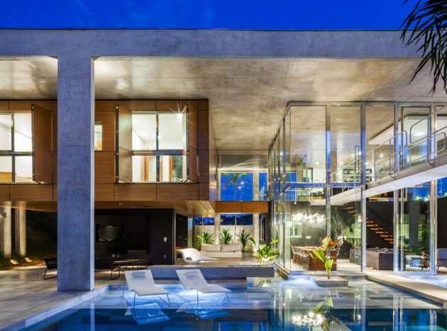 large-villa-house-with-swimmingpool-decorated-mix-of-material-9