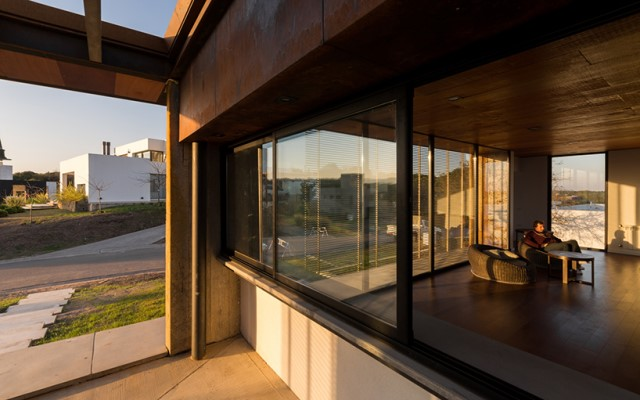 modern-two-story-house-simplicity-wood-cement-glass (5)