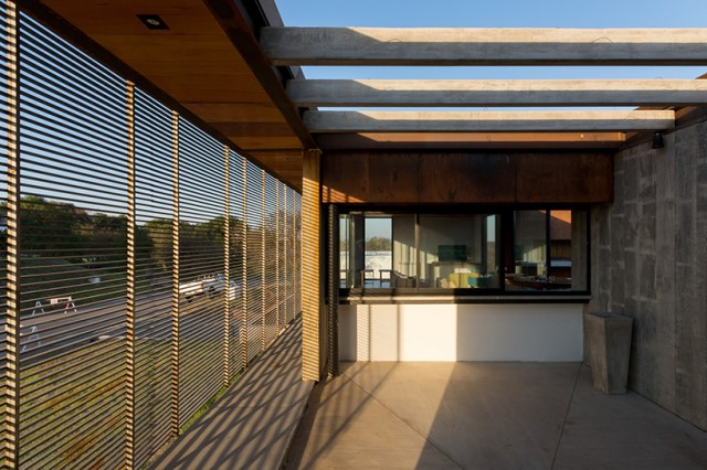 modern-two-story-house-simplicity-wood-cement-glass (8)