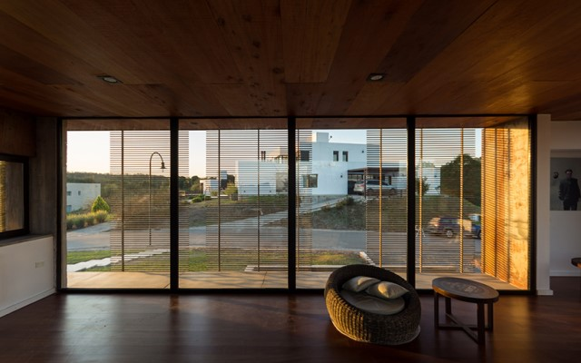 modern-two-story-house-simplicity-wood-cement-glass (9)