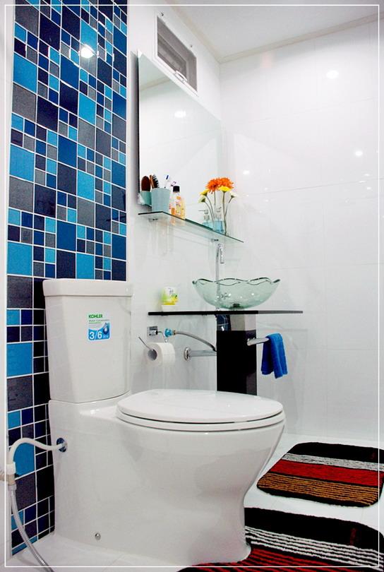 old-restroom-to-modern-restroom-renovation-16